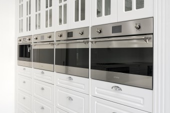 Mayfair Homes - HIA AWARDS - Kitchen of the Year - New Kitchen over $30,001 - kitchen appliances.jpg